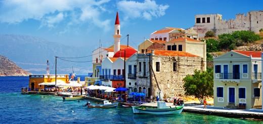 wallpaper hd de un paisaje maritimo en grecia