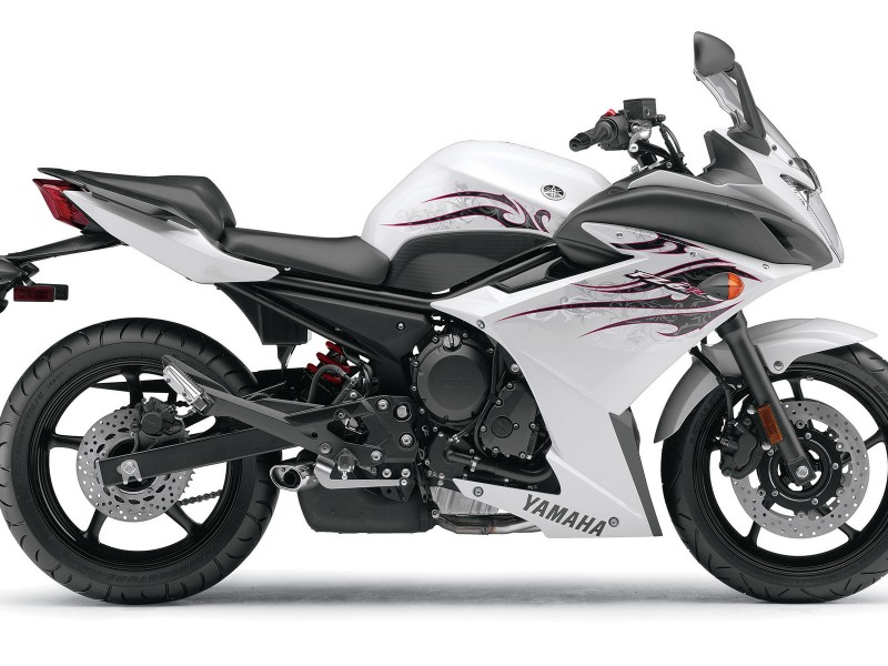 wallpaper hd yamaha FZ6R color blanca
